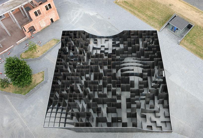 gijs-van-vaerenbergh-experimental-labyrinth-c-mine-art-centre-designboom-01.jpg