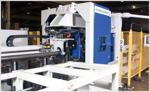 Pioneer Conveyor improves productivity and efficiency with a Bardons & Oliver rotating-head cutoff lathe