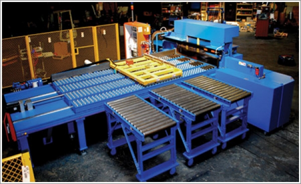 MetlSaw manufactures built-to-order ferrous saws